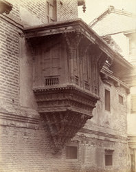 Carved wooden balcony window, Siddhapur